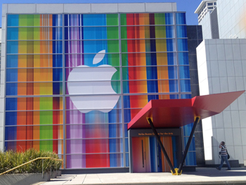 Apple decoration at Yerba Buena