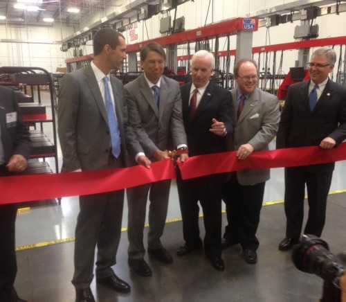 Photo of ribbon cutting at Lenovo N.C. plant (Lenovo)