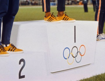 Olympic-winners-podium-007