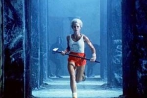 1984_woman_with_hammer_5